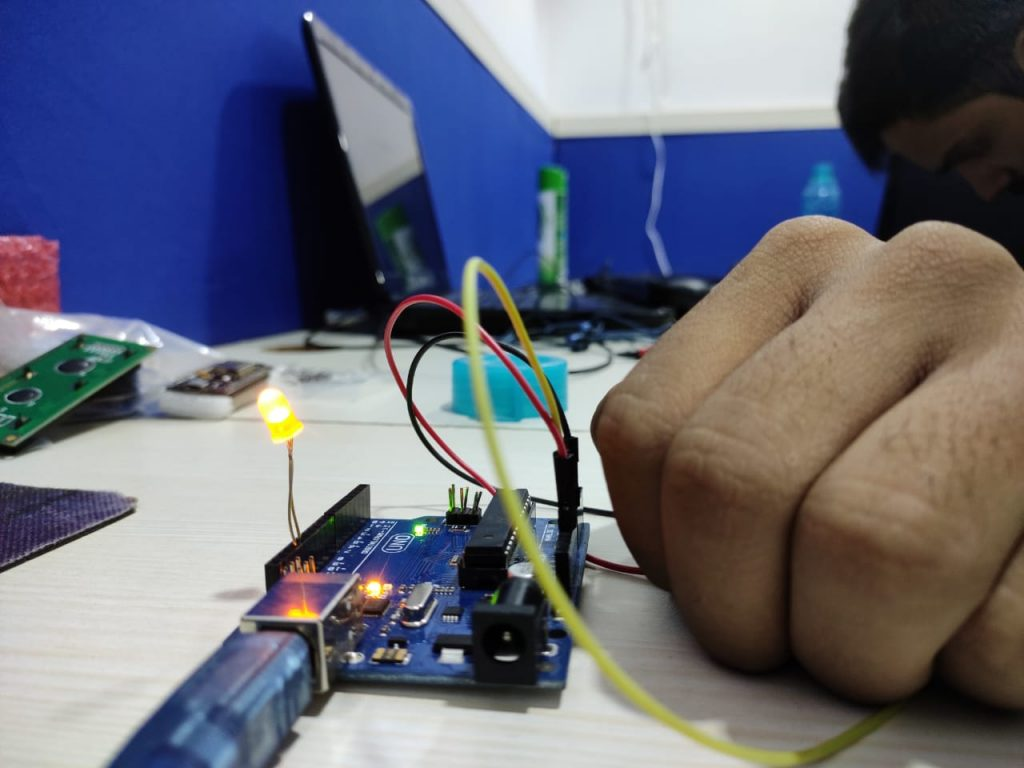 Detect darkness Using Arduino and LDR Sensor 7